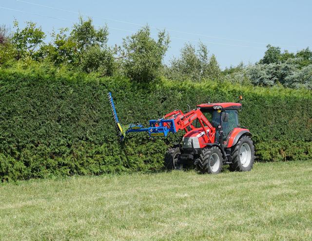 Swivel Trim Hedgecutters - Slanetrac Ireland